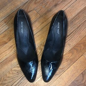 DAVID TATE PATENT LEATHER PUMP